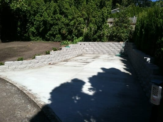 EO Landscaping Designs and Bulds Retaining Walls to serve your needs